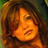 Suzanne D'Mello
