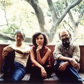 Ryuichi Sakamoto;Jaques Morelenbaum;Paula Morelenbaum