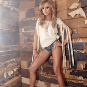 Alexandra Stan - The Romanian Queen PNG