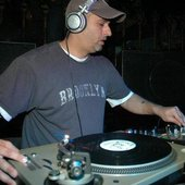 DJ Sharaz