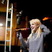 Hayley at rehearsals for tour 2009