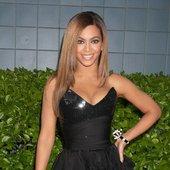 Beyoncé and  Shakira;Beyonce & Shakira