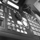 MPC 200 XL i love this more than any 1 or any thing