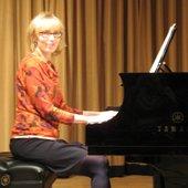 Laura Leon (Pianist)