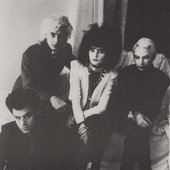 Siouxsie_and_the_banshees_with_john_carruthers.jpg