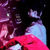 Sonic Boom y sus sintetizadores analógicos ahuyentan a la audiencia del festival...