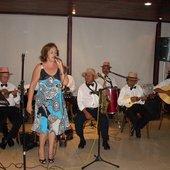 Cantora Jurema Lopes - e o Grupo Choro de Quintal