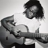 Asa (Asha) [photo by Benoit Peverelli]