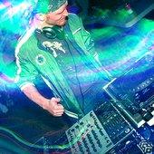 Sybian Vs DJ Tony