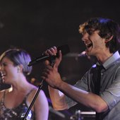 "Gotye with Missy Higgins - ""Somebody I Used To Know\"" performed at Live on Letterman"