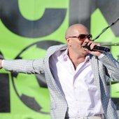 Pitbull feat. Machel Montano