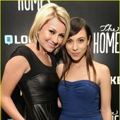 Chelsea Kane & Minni Jo Mazzola (The Homes)