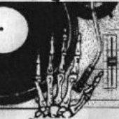 dj niewidzialna ręka hand from the mixtape cover