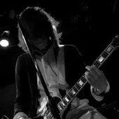 j0hnny playing guitar