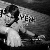 DJ MNIAL