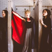 Jenny Hval and her stage performers Annie Bielski and Zia anger