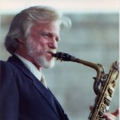 gerry-playing-sax.jpg