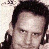 DJ Chrixx
