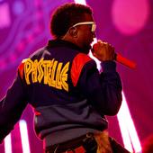 Kanye West @ AMA's (Pastelle Jacket)