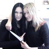 new singer Heike Langhans with her predecessor Lisa Johansson