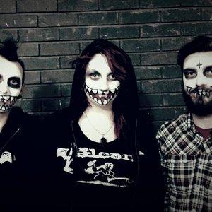 Imagem de 'Demon Smiles'