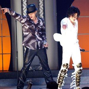 Imagem de 'Michael Jackson & Justin Timberlake'