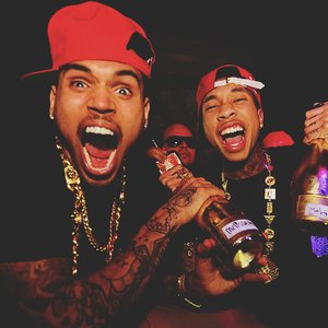 """Chris Brown & Tyga""的封面"