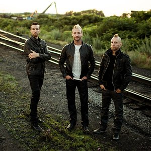 """Thousand Foot Krutch""的封面"