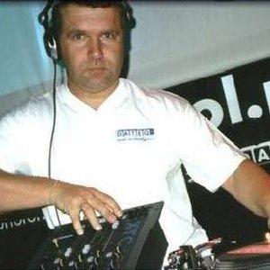 Bild för 'DJ Garry'