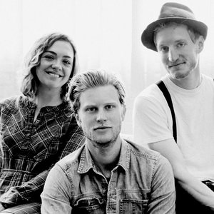 """The Lumineers""的封面"