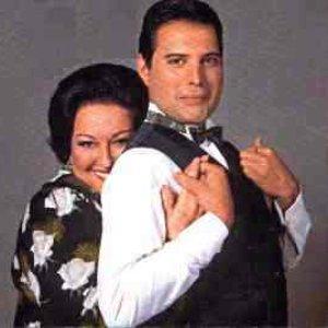 """""""Freddie Mercury + Montserrat Caballé""""的封面"""