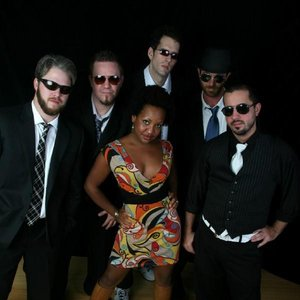 Image pour 'Akina Adderley & the Vintage Playboys'