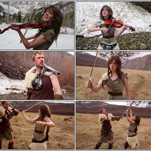 Imagem de 'Lindsey Stirling & Peter Hollens'