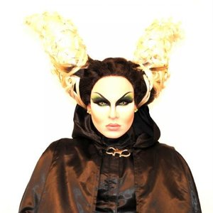 Image for 'Nina Flowers'