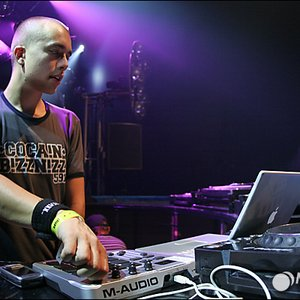 Image for 'HeadhunterZ Vs. Abject'