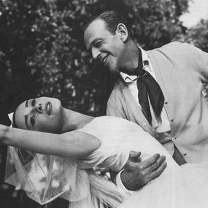 Image for 'Audrey Hepburn & Fred Astaire'