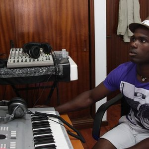Image for 'DJ Nervoso'