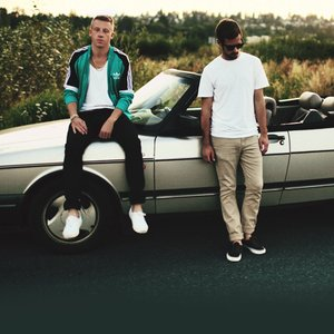 """Macklemore & Ryan Lewis""的封面"