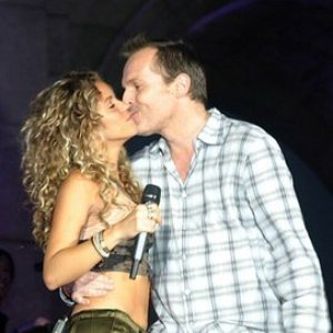 Image for 'Miguel Bosé con Shakira'