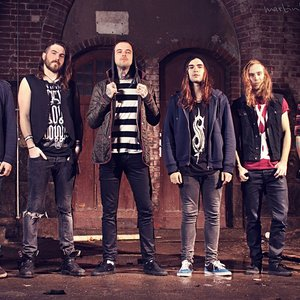 Bild für 'Betraying the Martyrs'