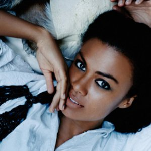 Image for 'Amel Larrieux'