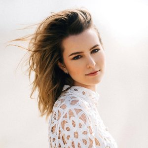 Image for 'Bridgit Mendler'