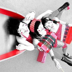Image for 'les soeurs moustache'