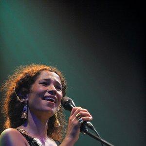 Bild för 'Ghalia Benali'