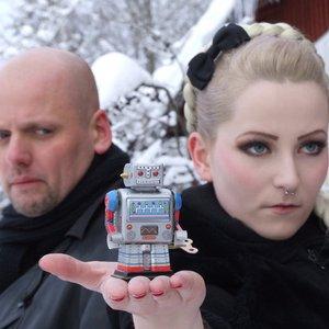 Bild für 'The Girl & The Robot'
