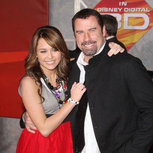 Bild für 'John Travolta & Miley Cyrus'