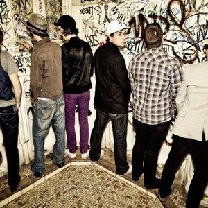 Bild för 'Purple Sneakers DJs'