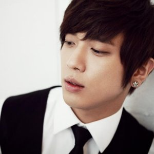 Image for 'Jung Yong Hwa Б¤їлИ­ (C.N.BLUE)'