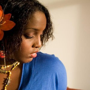 Image for 'Mia Zuniga'