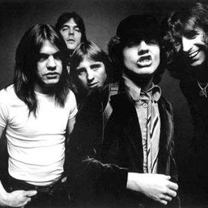 Bild för 'AC/DC'